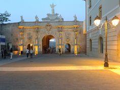 Third Gate - www.antrecalba.ro