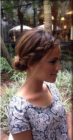 Schnelle Frisuren: Knoten und Brötchen