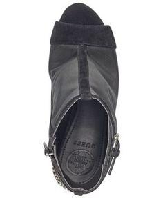 a6194eef47609 Guess Women s Laureta Flatform Logo Sport Sandals - Black 5M