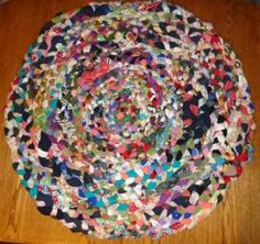 Thinking this will look great in a DORM room..DIY Braided : DIY Handmade Braided Rug