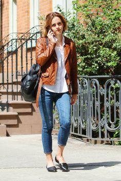 En route to breakfast with her rumored boyfriend William Knight in New York City.
