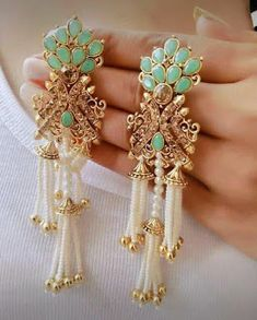 Ali Baba Gold and diamond suppliers . Indian Jewelry Earrings, Indian Jewelry Sets, Jewelry Design Earrings, Indian Wedding Jewelry, India Jewelry, Antique Earrings, Bridal Jewelry, Jewelery, Antique Jewellery Designs