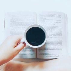 Café e um bom Livro pra relaxar...