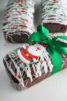 Red Velvet Banana Bread is easy to make with a cake mix and the recipe makes 5 loaves, perfect for a holiday gift! This Red Velvet Banana Bread was made with love for Christmas Bread, Christmas Food Gifts, Christmas Sweets, Christmas Cooking, Christmas Goodies, Christmas Candy, Holiday Treats, Simple Christmas, Handmade Christmas