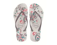 A whirlwind of sensations and experiences are felt and shared by Havaianas in the Slim Season line. Each smell, taste and energy that can only come from Thailand are interpreted using an organic and colorful print. Cheap Flip Flops, Peacock Shoes, Slipper Sandals, Shoes Sandals, Heels, Rubber Sandals, Womens Flip Flops, Cute Shoes, Flip Flop Sandals