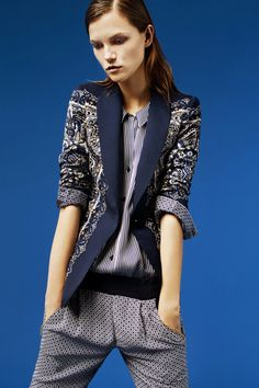love this blazer, had a vintage batik tuxedo jacket that was very similar...where is that thing?