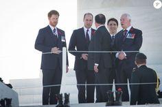 Le prince Harry, le duc de Cambridge, prince William, le premier ministre canadien Justin Trudeau et le président François Hollande lors des commémorations des 100 ans de la bataille de Vimy, (100 ans jour pour jour, le 9 avril 1917) dans laquelle de nombreux Canadiens ont trouvé la mort lors de la Première Guerre mondiale, au Mémorial national du Canada, à Vimy, France, le 9 avril 2017.
