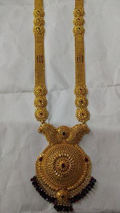 Indian Gold Necklace Designs, Gold Mangalsutra Designs, Gold Earrings Designs, Gold Wedding Jewelry, Gold Jewelry Simple, Gold Chain Design, Gold Jewellery Design, Bridal Necklace Set, Bridal Jewelry Sets