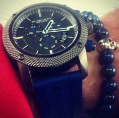 Mark: bracelet SCALLINI Blue Skull, watch Burberry