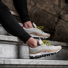 Nike Air Max 97 Light Bone Deadly Pink Wmns