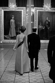 Shah Mohammad Reza Pahlavi and Empress Farah of Iran Farah Diba, Iran Pictures, Pahlavi Dynasty, The Shah Of Iran, Tehran Iran, Iranian Women Fashion, Persian Culture, Royal Jewels, Kaiser