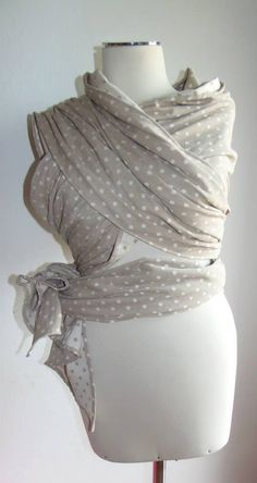 Fascia lunga porta bebè con il nostro tessuto twill pois grigi http://www.radicifabbrica.it/prodotto/tessuto-saia-batavia-doubleface-pois-grigio-e-panna/ da Elena Manganaro di https://www.facebook.com/cucitoadarte.cucitoadarte