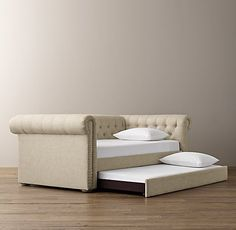 Chesterfield Upholstered Daybed With Trundle
