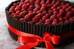 """La torta di compleanno al cioccolato e frutta """"Non mi dire che la hai fatta tu!"""""""