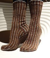 """Doctor Who socks! These were inspired by the Tenth Doctor - how could anyone resist his """"geek chic""""? Tenth Doctor, Doctor Who, Geek Chic, Free Pattern, Knit Crochet, Socks, Knitting, Ravelry, Crafting"""