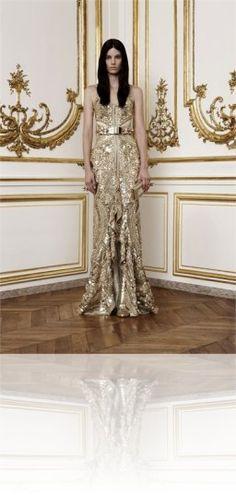 Givenchy Dress. Front Keywords: #weddings #jevelweddingplanning Follow Us: www.jevelweddingplanning.com  www.facebook.com/jevelweddingplanning/
