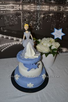 Cinderella in New York Birthday Cake... This website is the Pinterest of birthday cake ideas