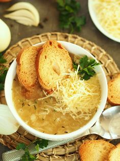 smakowita_zupa_cebulowa Soup Recipes, Great Recipes, Vegan Recipes, Dinner Recipes, Vegan Gains, Vegan Runner, Easy Food To Make, Healthy Cooking, Healthy Life