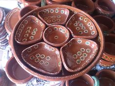 Botanero hecho de barro para salsas, botanas o guarniciones. Mexican store online. Visitanos en: www.ArtesaniasDeTonala.com