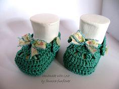 Strick- & Häkelschuhe - Baby - Riemchenschuhe  gehäkelt - ein Designerstück von faunora-funflower bei DaWanda