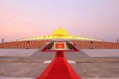 Dhammakaya CETIYA - combined Hindu & Buddhist