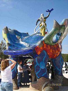 Queen Califia's Magical Circle, mosaic art by Niki de saint Phalle - photo by Susan Crocenzi, via Flickr;  in Escondido, CA