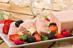 Receita de Semifredo de morango e catupiry em receitas de sorvetes, veja essa e outras receitas aqui!