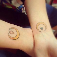 the hand with the sign of sailor jupiter('four') is mine, because jupiter is my ruling planet (im a sagittarius) and my best friend's is venus (she's a taurus). rally cool idea :)
