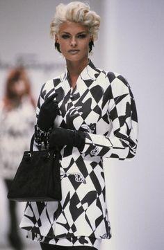 Fashion Vintage 90s & More Details
