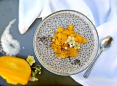 Busy weekday mornings knows everybody from us, here is an idea for super tasty and fast breakfast. This version of Chia pudding is absolutely delicious even without sweetening, especially if you like mangoes.