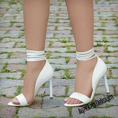 Rozanel - Chaussures à talons avec cordelettes blanches - Gelin Ayakkabısı / Bridal Shoes - Beautiful Sandals, Beautiful High Heels, Bridal Shoes, Wedding Shoes, Shoes Heels Wedges, New Shoes, Stiletto Heels, Footwear, Elegant