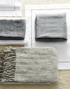 Des couleurs neutres et naturelles pour un lit zen -  CôtéMaison.fr