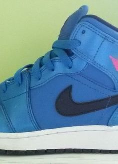 Kup mój przedmiot na #vintedpl http://www.vinted.pl/damskie-obuwie/obuwie-sportowe/10040417-nike-air-jordan-1-mid