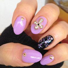 lilac rocks nail art
