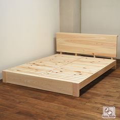 Wooden Bed Frame Diy, Diy Bed Frame Plans, Low Bed Frame, Wood Pallet Beds, Bed Frame And Headboard, Wooden Pallet Furniture, Bed Frame Design, Bedroom Bed Design, Bedroom Furniture Design