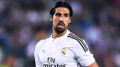 Real Madrid defensive midfielder Sami Khedira has reportedly informed his inner circle that he wishes to remain with the club and sign a contract renewal.