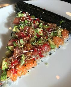 """ idreamofsushi: ""Happy Pi π Day! Celebrate with…sushi pizza pie? 🤔 Photo by "" More delicious and healthier than normal pies 😍 "" I like where your mind is at."" I can roll with that. Sushi Recipes, Seafood Recipes, Asian Recipes, Cooking Recipes, Healthy Recipes, Sushi Pizza Recipe, I Love Food, Good Food, Yummy Food"
