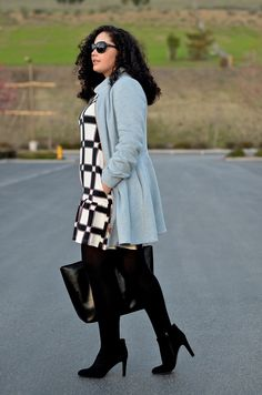 Girl With Curves: BLACK, WHITE AND POWDER BLUE