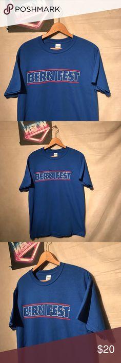 "Bern Fest Men's Bernie Blue T-shirt Sz M A1845 Bern Fest Men's Bernie Sanders Music festival democracy Blue T-shirt Sz Medium,  pit to pit - 19"", shoulder to hem - 28"", gently used with no holes or rips, smoke free facility, thank you Gildan Shirts Tees - Short Sleeve"