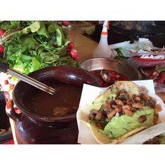 Cuando visites Ensenada podrás encontrar una gran variedad de lugares para comer como restaurantes, food trucks, puestos y más, con diferentes platillos para todos los gustos, pero sin duda a los tradicionales tacos no te podrás resistir! #Ensenda te espera! Aventura por jaycruising