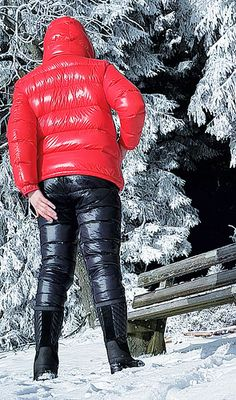 Ski Fashion, Winter Fashion, Women's Puffer Coats, Nylons, Down Suit, Vinyl Clothing, Winter Suit, Womens Wetsuit, Puffy Jacket