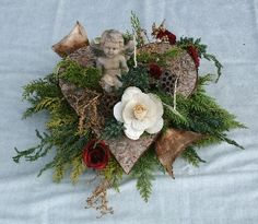 Allerheiligen 08 Christmas 2017, Christmas Wreaths, Christmas Crafts, Wood Crafts, Diy And Crafts, Cemetery Decorations, Sympathy Flowers, Grapevine Wreath, Advent