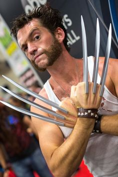 Character: Wolverine (James Howlett, aka Logan) / From: MARVEL Comics 'Wolverine' / Cosplayer: Unknown / San Diego Comic Con 2013 Couples Cosplay, Epic Cosplay, Amazing Cosplay, Superhero Cosplay, Marvel Cosplay, Cool Costumes, Cosplay Costumes, Costume Manga, Wolverine Costume