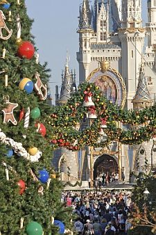 Disney World Castle Live Show | Walt Disney World Is Even More Magical During The Holidays ...