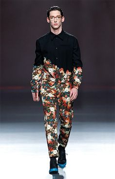 Fashion Ana Locking Fall/Winter 2013 God, I love high fashion. It& like watching a dog walk on its hind legs. High Fashion Men, Boy Fashion, Trendy Fashion, Fashion Show, Mens Fashion, Fashion Outfits, Fashion Tips, Fashion Design, Fashion Trends