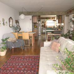 Small Apartment Interior, Modern Apartment Decor, Contemporary Apartment, Contemporary Bedroom, Living Room Modern, Apartment Design, Home Living Room, Living Room Designs, Small Cozy Apartment