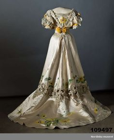 Dress (back) with embroidery and painting, 1907. Collection Nordiska Museet