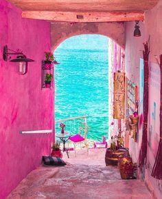 Dieser Flur in Rovinj Kroatien - This hallway in Rovinj Croatia - Wonderful Places, Beautiful Places, Beautiful Pictures, Places To Travel, Places To Go, Pink Street, Travel Aesthetic, Pink Aesthetic, Belle Photo