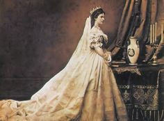 #throwbackthursday The charming spirit of Sissi is still lingerin through the rooms of the Correr Museum of #Venice: the Empress lived seven months in the city but it was a place that she had never loved...