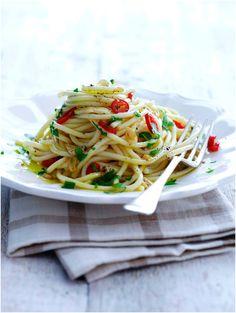 Spaghetti Aglio #recipe #pasta #tomato #cirio